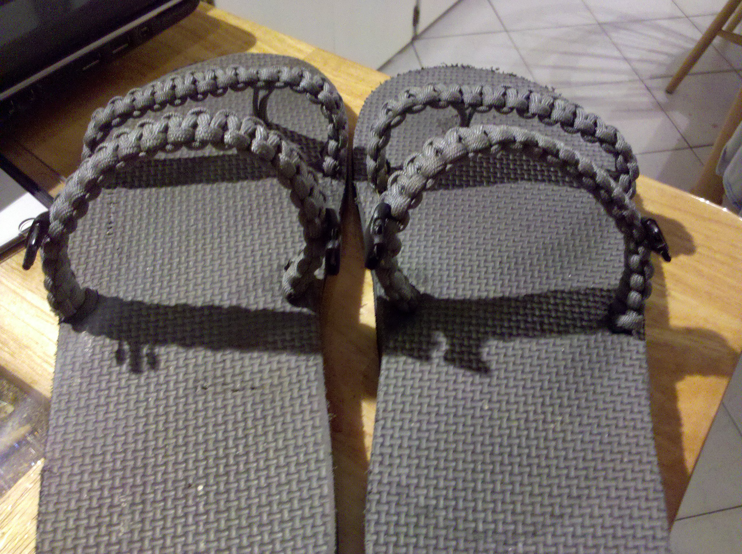 how to make paracord sandals