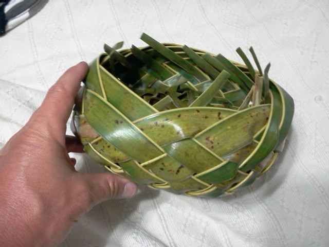 palm leaf basket weaving instructions